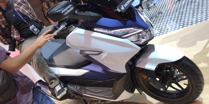 AHM Kenalkan Honda Forza 250