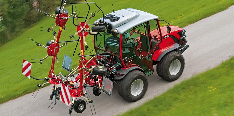 """Трактор Antonio Carraro TTR 7600 в номинации на """"Трактор года"""""""