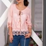 Bluza roz pal cu model dantelat