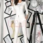 Pantaloni albi cu accesorii metalice