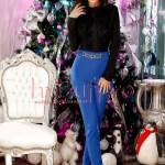Pantaloni dama albastri cu accesoriu auriu in talie