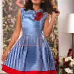 Rochie in dungi si broderie florala