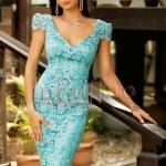 Rochie midi din dantela turquoise si spatele gol