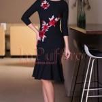 Rochie midi neagra cu aplicatii florale brodate