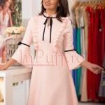 Rochie roz pal cu volanase