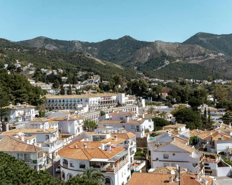 A day trip from Fuengirola, Spain to the white city.