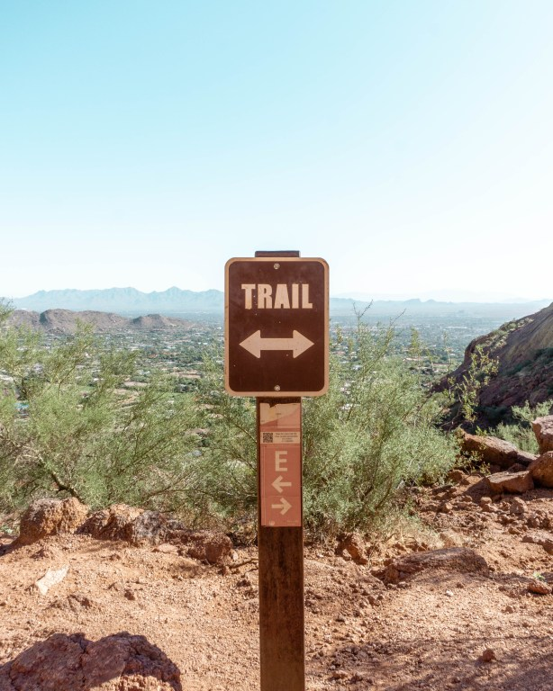 Trail sign on hike in Phoenix. Stay on Echo Trail.