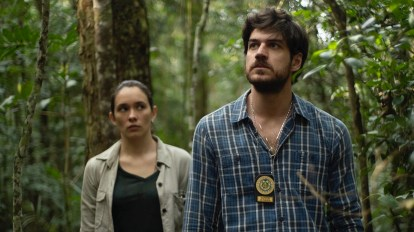 A scene from Invisible City of Eric and Márcia in the jungle