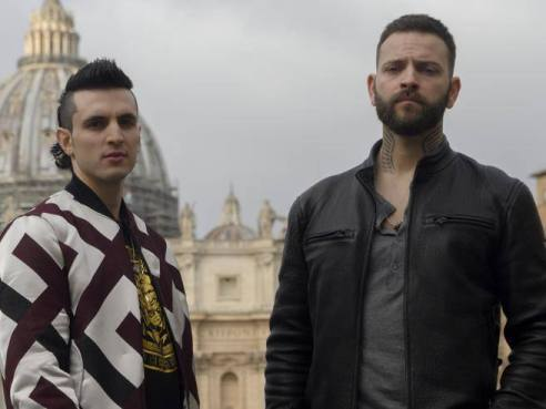 Alessandro Borghi (Aureliano) right and Giacomo Ferrera (Spadino) left with St. Peter's basilica in the background