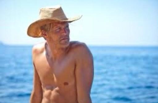 Tobias Santelmann as Knut Haugland in Kon-Tiki