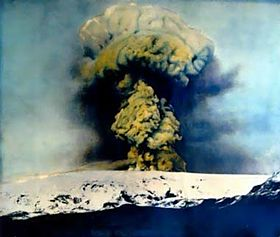 Image shows a photograph of the Katla eruption in 1918.