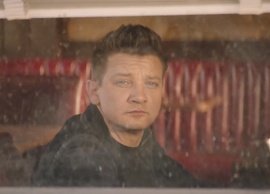 'Avenger' Renner trades in arrow for mic in Jeep spots