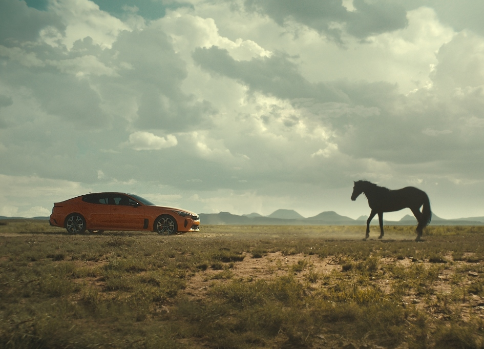 Kia Stinger GTS runs with wild horses in west Texas