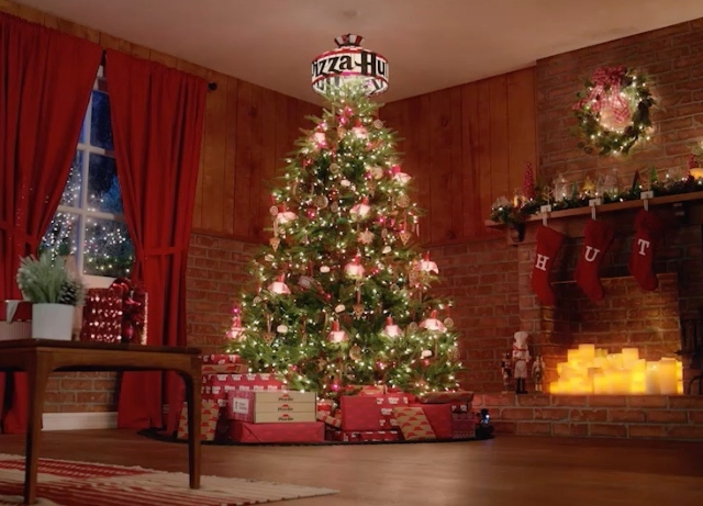 WoodShop creates a festive holiday spot For Pizza Hut