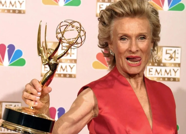 Academy Award winner Cloris Leachman passes
