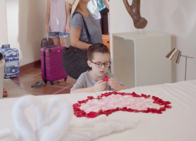 Travelocity: Launches first campaign from Doner