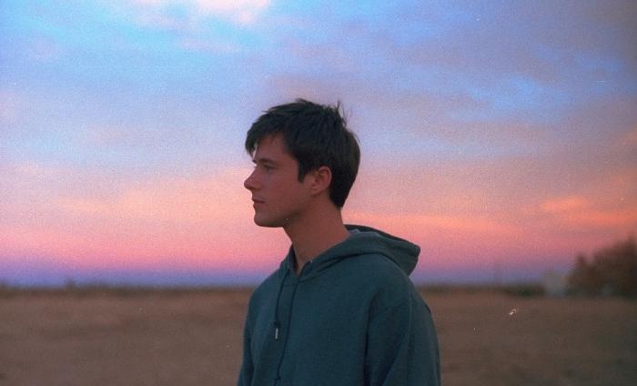 Alec Benjamin grows 'Older' in new video sequel to 'The Way You Felt'