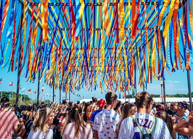 Mayor Lightfoot announces return of Lollapalooza