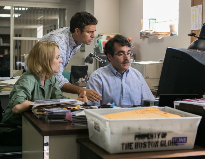(Left to right)  Rachel McAdams as Sacha Pfeiffer, Mark Ruffalo as Michael Rezendes and Brian d'Arcy James as Matt Carroll in SPOTLIGHT.   Photo credit:  Kerry Hayes / Distributor:  Open Road Films