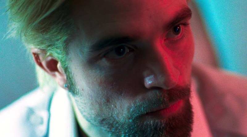 Robert Pattinson in a scene from the 2017 Safdie Brothers crime thriller film, Good Time