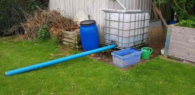 Brunnenbau Brunnen bohren Dreibein Brunnenrohr Gartenbrunnen Brunnen klarpumpen IBC Container