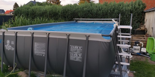 Intex Ultra Frame Pool
