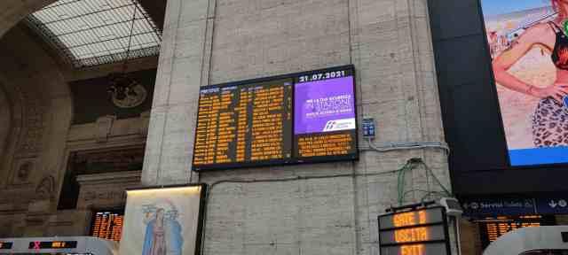 Anzeigetafel Mailand