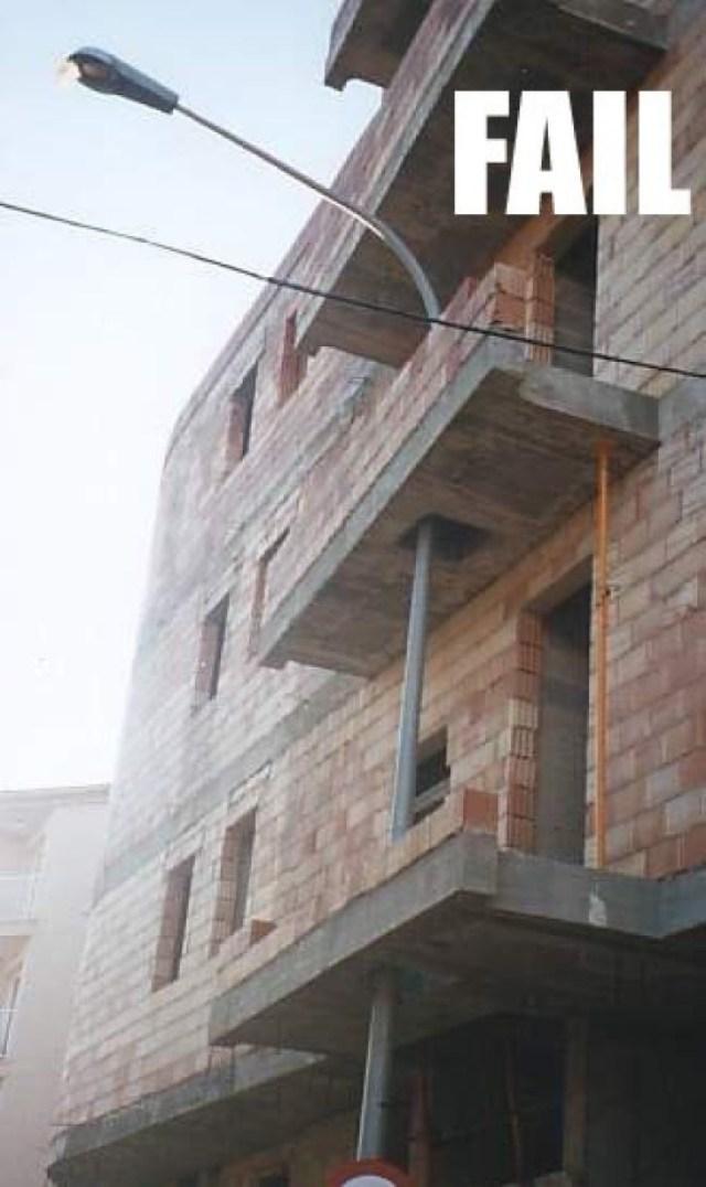 building_fail_by_har0042-d343vrv