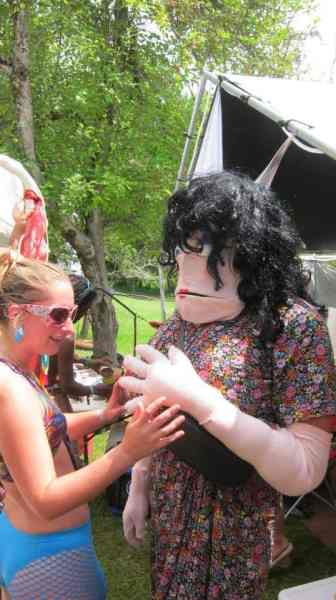 A human puppet!?!