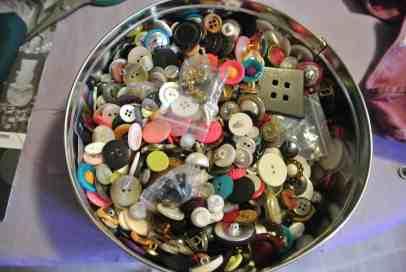 Big tin o' buttons!