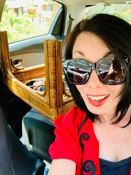 refashionista with table in car