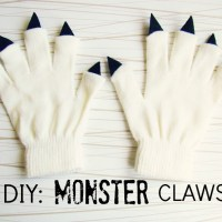 Caroline's Quick #DIY #NoSew Monster Hands