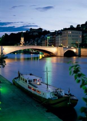 Escale sur Sa™ne. Pont Bonaparte