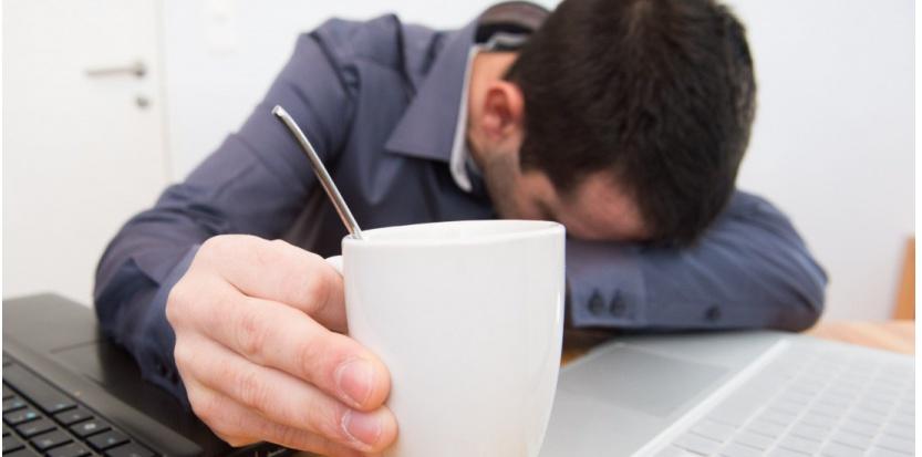 Le Syndrome de fatigue chronique (SFC) se manifeste par un état de fatigue répété et récurrent qui, même après le repos, ne disparaît pas - CLOSON/ISOPIX/SIPA - Du nouveau dans le dépistage de la fatigue chronique - Santé - sciencesetavenir.fr