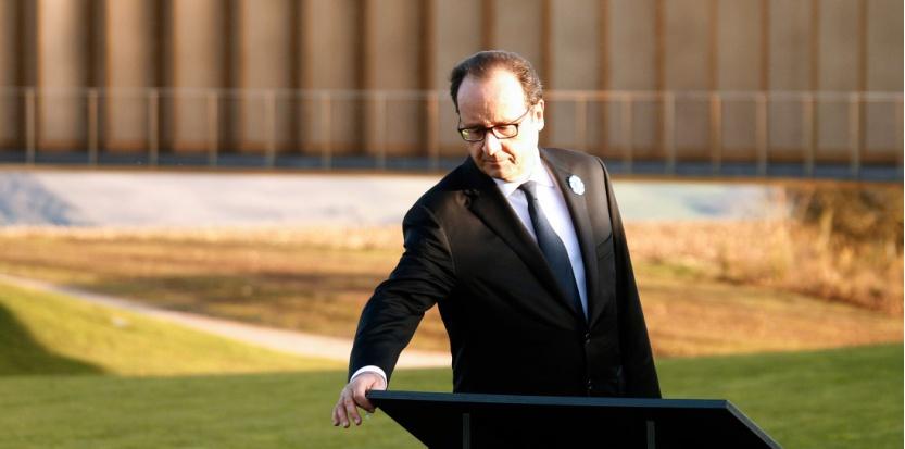 François Hollande à Notre-Dame-de-Lorette (Pas-de-Calais) à l'occasion des commémorations de la Première guerre mondiale, le 11 novembre 2014. (MICHEL SPINGLER / POOL / AFP)