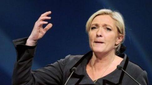 """""""Est-ce qu'on peut donner des leçons à M. Berlusconi quand M. Frédéric Mitterrand est encore ministre de la Culture ?"""", a affirmé marine Le Pen. (c) Afp"""