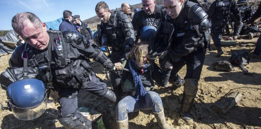 Une trentaine de zadistes ont été expulsés manu militari en début d'après-midi. Balint Porneczi / AP / SIPA