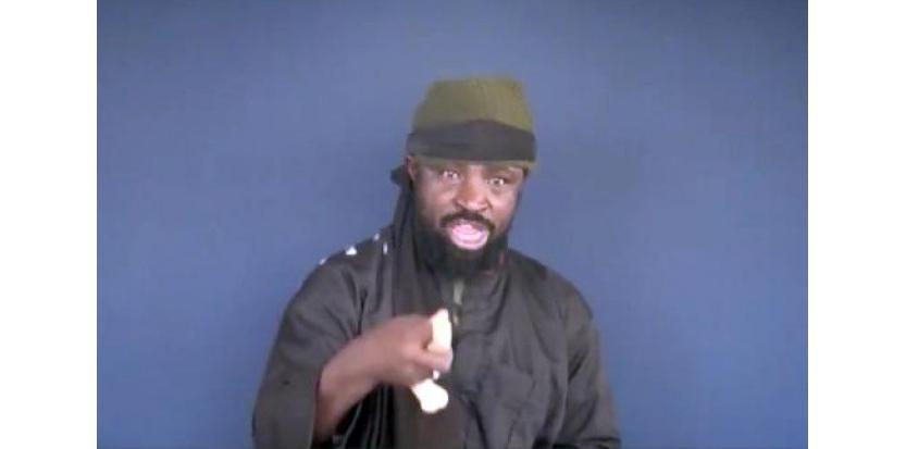 Capture d'écran prise le 18 février 2015 à partir d'une video du groupe islamiste Boko Haram et de son leader, Abubakar Shekau (c) Afp
