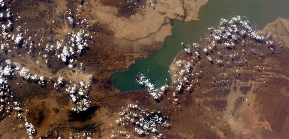 Le lac Turkana, au Kenya, photographié depuis la Station spatiale internationale par l'astronaute italienne Samantha Cristoforetti. C'est dans cette région que les outils ont été découverts. ©ESA/NASA/SIPA
