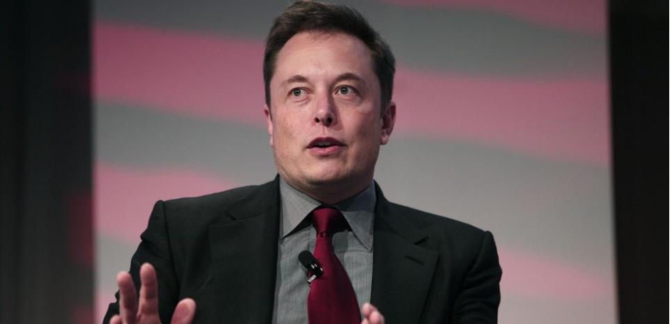 Prié de dire si Tesla envisageait de transformer son nom en Tesla Energy, Elon Musk s'est contenté de répondre que la société avait à présent deux adresses de courriel, teslamotors.com et teslaenergy.com. BILL PUGLIANO / GETTY IMAGES NORTH AMERICA / AFP