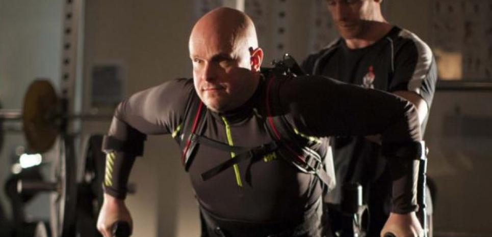 Grâce à son exosquelette Mark a pu marcher. Mark Pollock