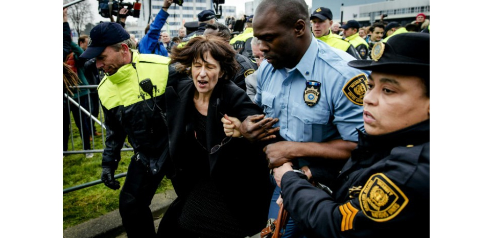 "L'avocat de Florence Hartmann demande sa libération ""immédiate"""