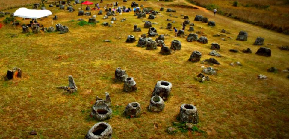 Les fouilles archéologiques ont repris sur le célèbre site de la Plaine des Jarres, dans le nord du Laos. CREDIT: Australian National University