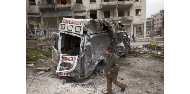 Au moins 65 jeunes hommes, exécutés d'une balle dans la tête, ont été retrouvés dans un quartier rebelle d'Alep, a indiqué mardi l'Observatoire syrien des droits de l'Homme (OSDH).<br /><br /> (c) Afp
