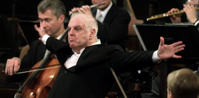 Daniel Barenboïm dirigeant l'orchestre philharmonique de Vienne, le 1er janvier 2014. Il fut le premier, en 2001, à donner Wagner en Israël. (Sipa)