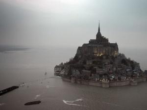 """Une """"marée du siècle"""" sur les côtes françaises et une affluence record"""