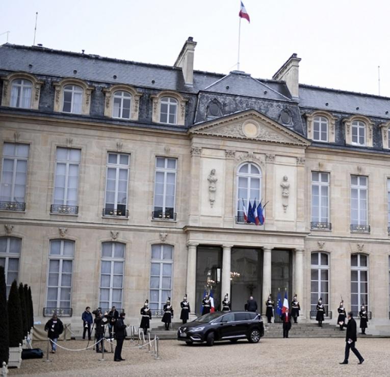 Affaire Fillon : reporter l'élection présidentielle, est-ce sérieux ?