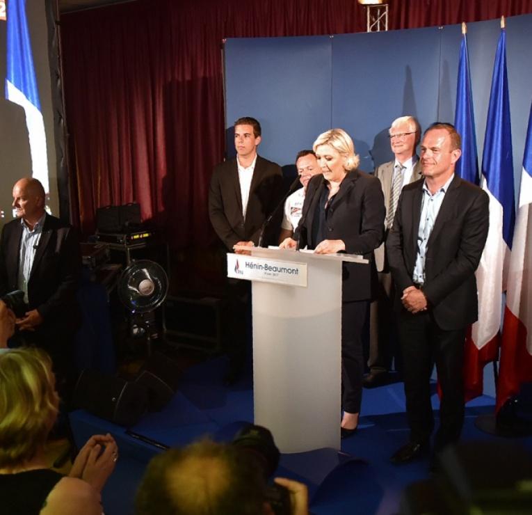 Legislatives Le Fn Garde Lespoir De Former Un Groupe Parlementaire