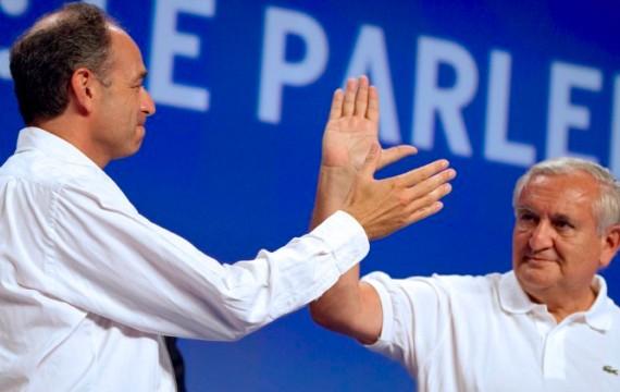 J.F. Copé et J.P. Raffarin au campus UMP à Marseille le 3 septembre 2011 - Crédit : L. BONAVENTURE / AFP