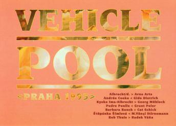 Postkarte zu Vehicle Pool, Prag 1995, Vorderseite mit der Liste der Künstler